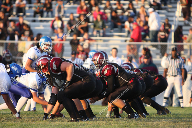 2009_fb_V_nip vs lompoc_017
