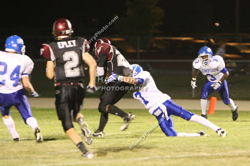 2009_fb_V_nip vs lompoc_136