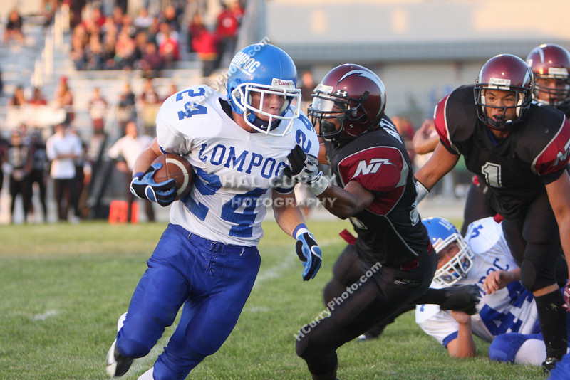 2009_fb_V_nip vs lompoc_033