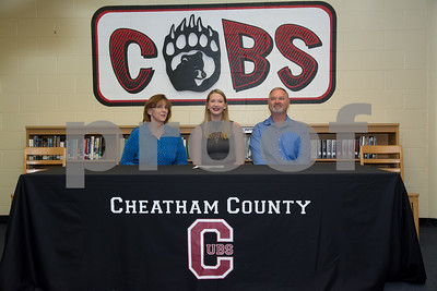 Lady Cubs Tiffany Smith Signing for Cumberland