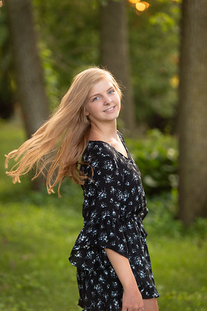 Megan Vetter Senior Portrait