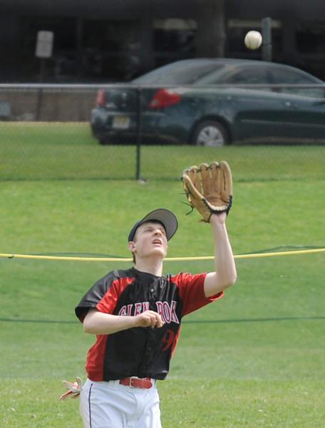 Glen Rock's Brett Lederer at bat.<br /> PHOTO: KELLY BIRDSEYE