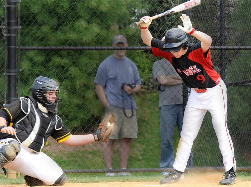 Glen  Rock's Brett Lederer (right) steps back from an inside.<br /> PHOTO: KELLY BIRDSEYE