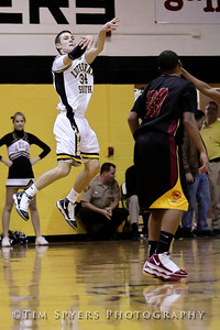 LHSS_Basketball_vs_North-20091218-330
