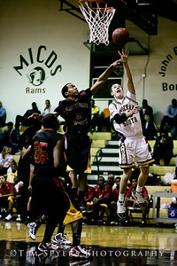 LHSS_Basketball_vs_North-20091218-25