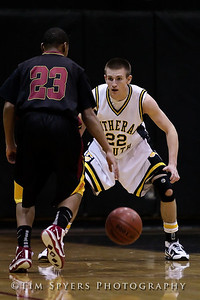 LHSS_Basketball_vs_North-20091218-276