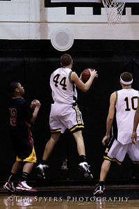 LHSS_Basketball_vs_North-20091218-357