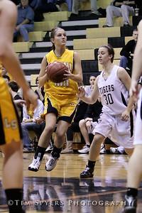 LHSS_G_Basketball_vs_Oakville-20091222-375