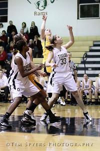 LHSS_G_Basketball_vs_Oakville-20091222-68