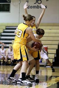 LHSS_G_Basketball_vs_Oakville-20091222-201