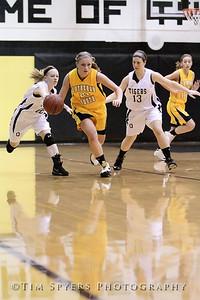 LHSS_G_Basketball_vs_Oakville-20091222-80