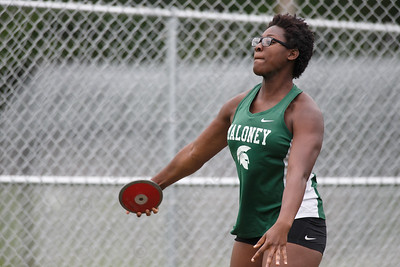 Maloney's Courtney Ubaike in the discus Wednesday at Platt High School in Meriden May 16, 2018 | Justin Weekes / Special to the Record-Journal