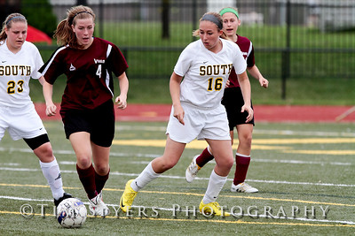 LHSS_Girls_Soccer_vs_Villa-111-385