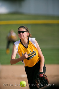 LHSS_Softball_vs_Parkway-20090909-544