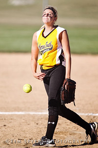 LHSS_Softball_vs_Ursuline-237-367