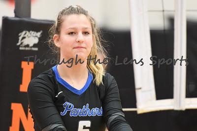 South Medford Roseburg Volleyball 102219 Leon Neuschwander389