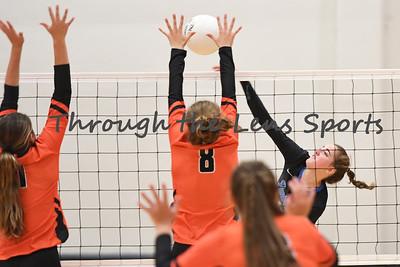 South Medford Roseburg Volleyball 102219 Leon Neuschwander499