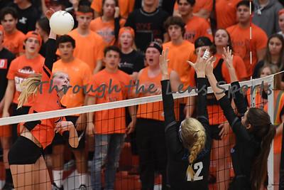 South Medford Roseburg Volleyball 102219 Leon Neuschwander493