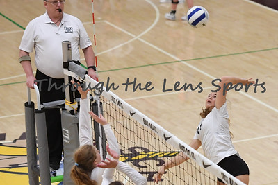 sisters vs  philomath  4a vb tournament 110819 leon neuschwander533