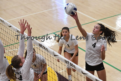 sisters vs  philomath  4a vb tournament 110819 leon neuschwander523