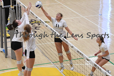 sisters vs  philomath  4a vb tournament 110819 leon neuschwander551