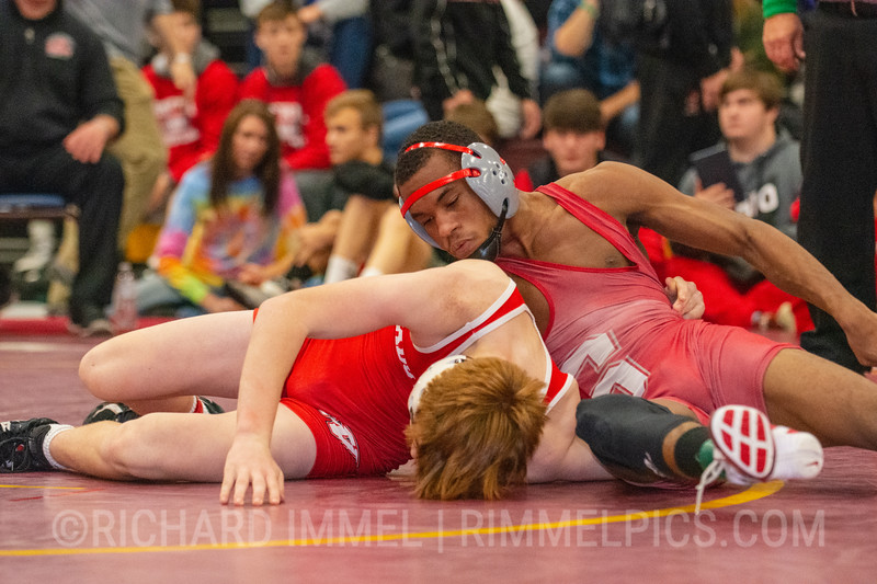 132: Hunter Griffin (Wadsworth) dec. Amir Pierce (Smyrna), 10-4