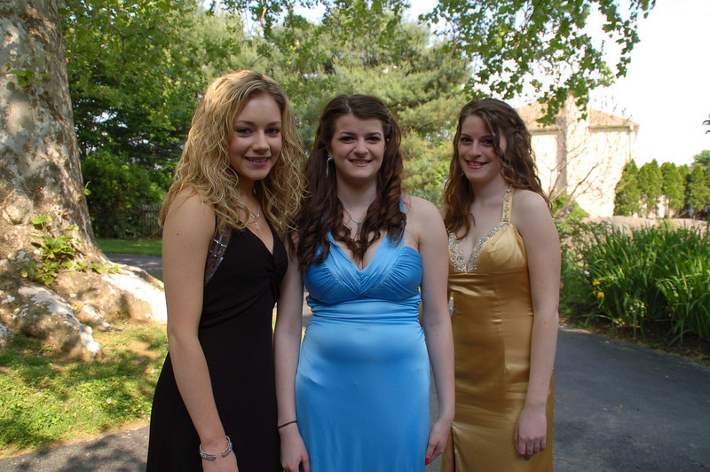 Casey,  Jackie Staska and Amber Staska getting ready to head off to the Cappies Gala.