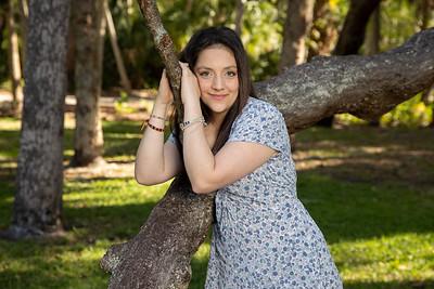 Senior Photo Shoot in Abercrombie Park