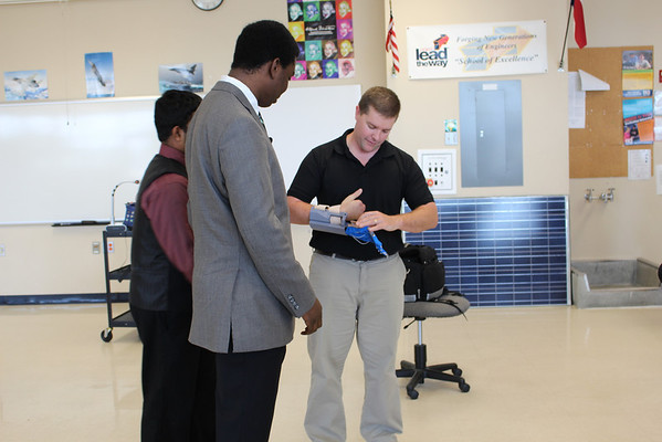 Engineering Students Make 3D Printed Prosthesis for Houston-area Dad