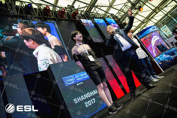 Innovation and Maru are welcomed to the stage to compete against each other in the groupstages