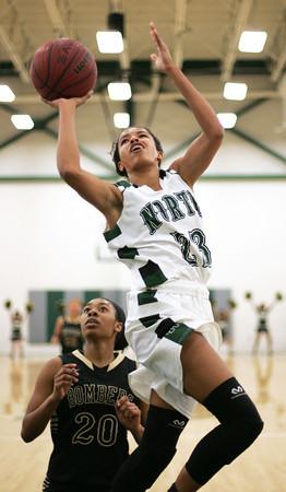 NN v MCHS basketball 4