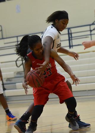 Regional basketball Southmoore girls