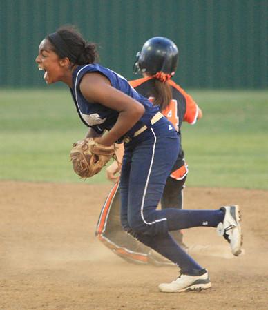 Southmoore v Tahlequah softball state 6