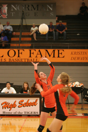 NHS v Moore volleyball 11