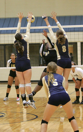 Southmoore v MWC volleyball 1