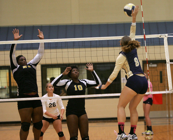 Southmoore v MWC volleyball 2