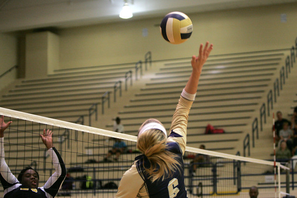 Southmoore v MWC volleyball 3