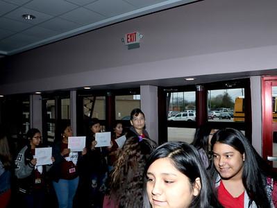 BJS AVID students shadowing REL AVID students