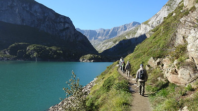 A birding walk at Barrage des Gloriettes in the Pyrenees, by participant Linda Nuttall.