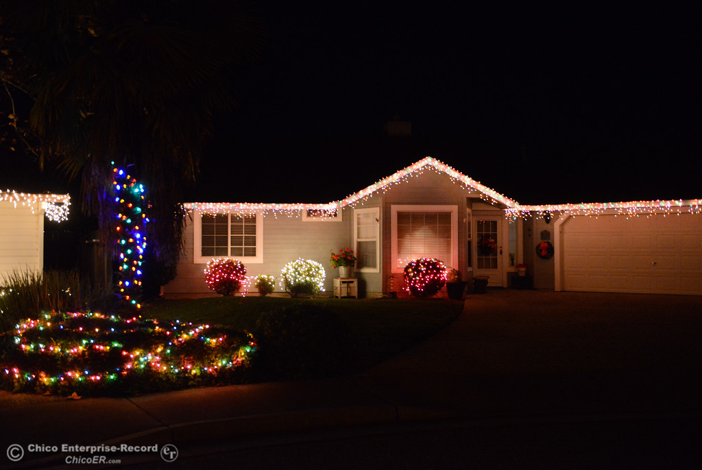. Humble Christmas light displays line Dawn Court a stop on this year\'s Oroville Tour of Lights Thursday December 7, 2017 in Oroville, California. (Emily Bertolino -- Mercury Register)