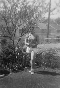 1950? 00 00-Joann_backyard