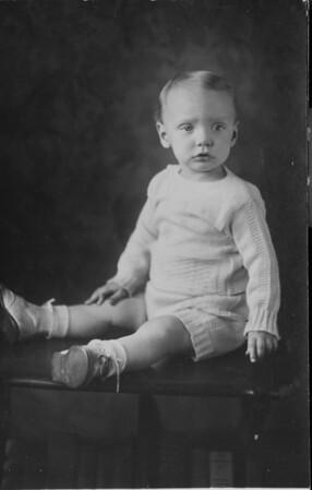 1934 00 00-Baby_Karl_H_1