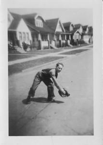 1940? 00 00-Dad_baseball_in_street