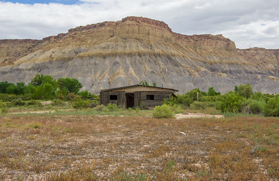 Shack and Mountain, Highway 95