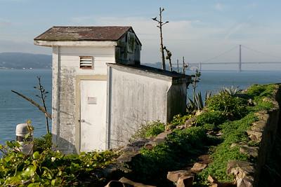 Decrepit shack @ Alcatraz