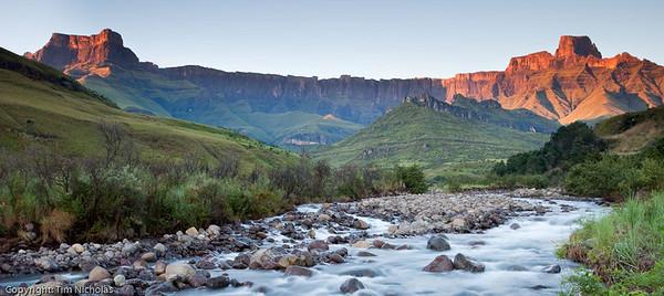 Drakensberg - Amphitheatre Sunrise, Tugela River