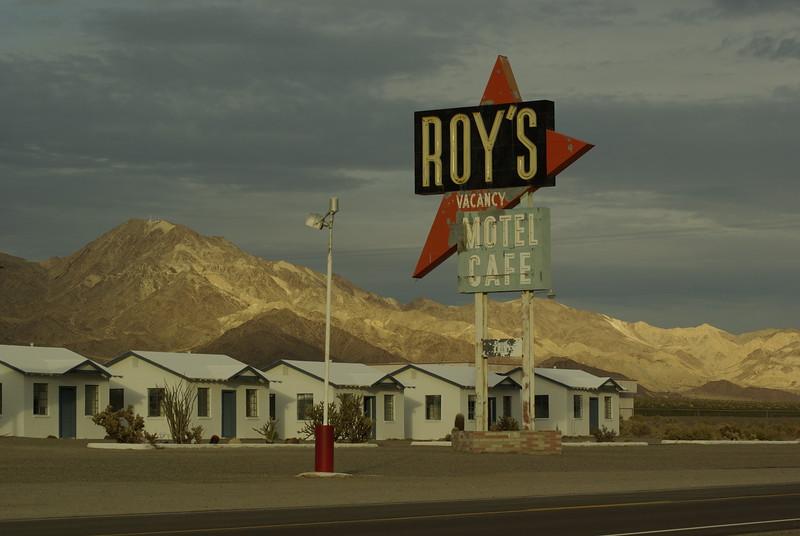 Roy's, Cloudy Sunset, Amboy