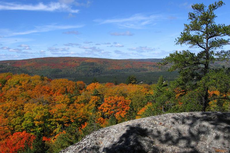 Cobre Lake Trail, ON (9-22-10)