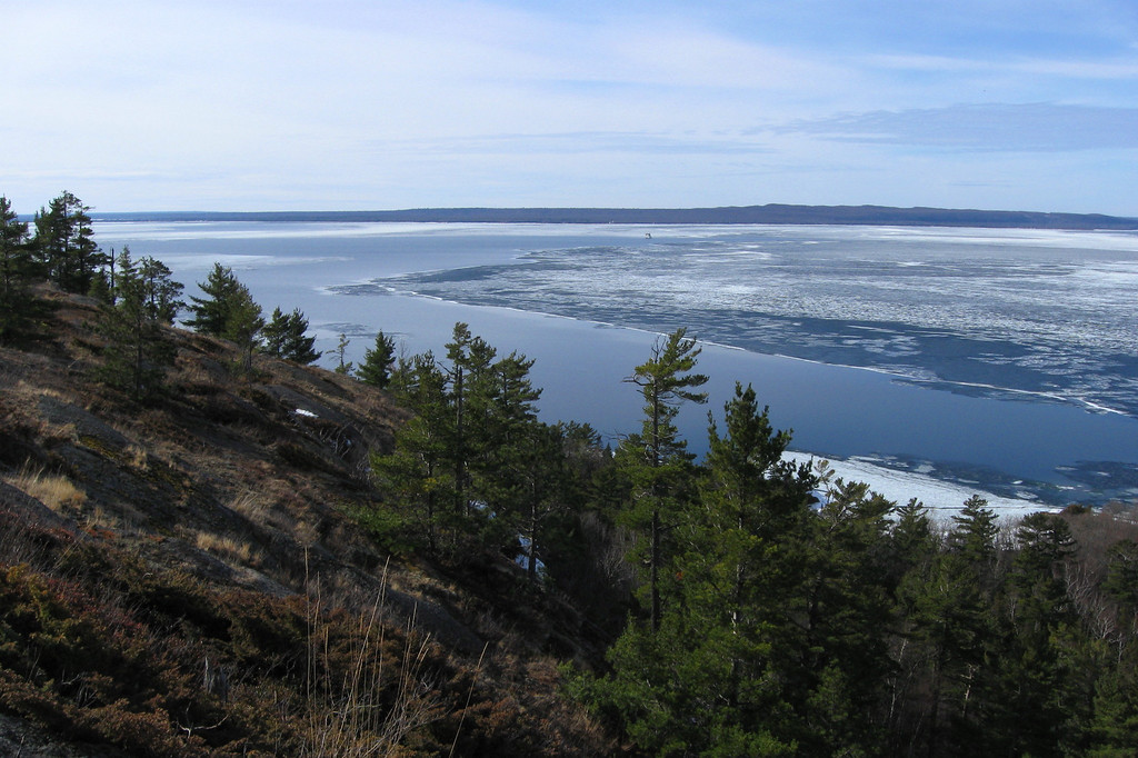 Looking over the cliff-top barrens towards Michigan...