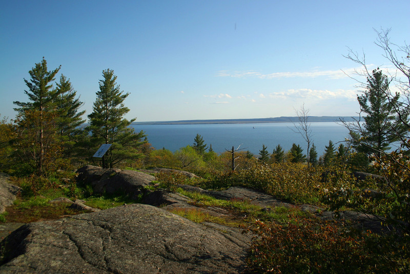 I decided to stop back at the first overlook for a few more shots...that's the Upper Peninsula across the way...